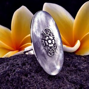 Bali Mother of Pearl Sterling Silver Ring SIZE 7